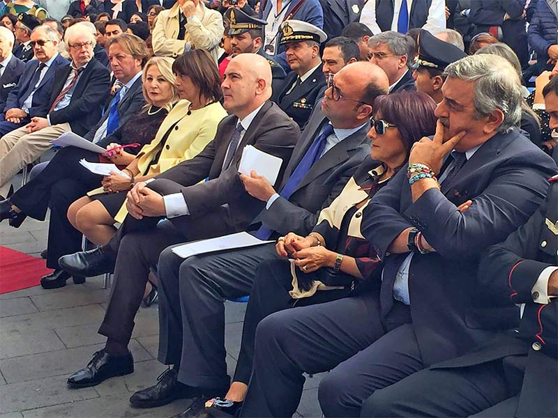 Intitolazione-istComprensivo-di-Casola-Raffaele-Iozzino.